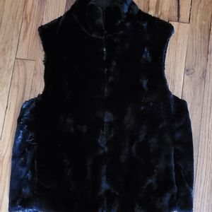 Black Velvet Furry Vest. Condition is Pre-owned.